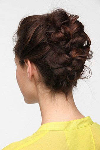 messy french braid with a banana clip