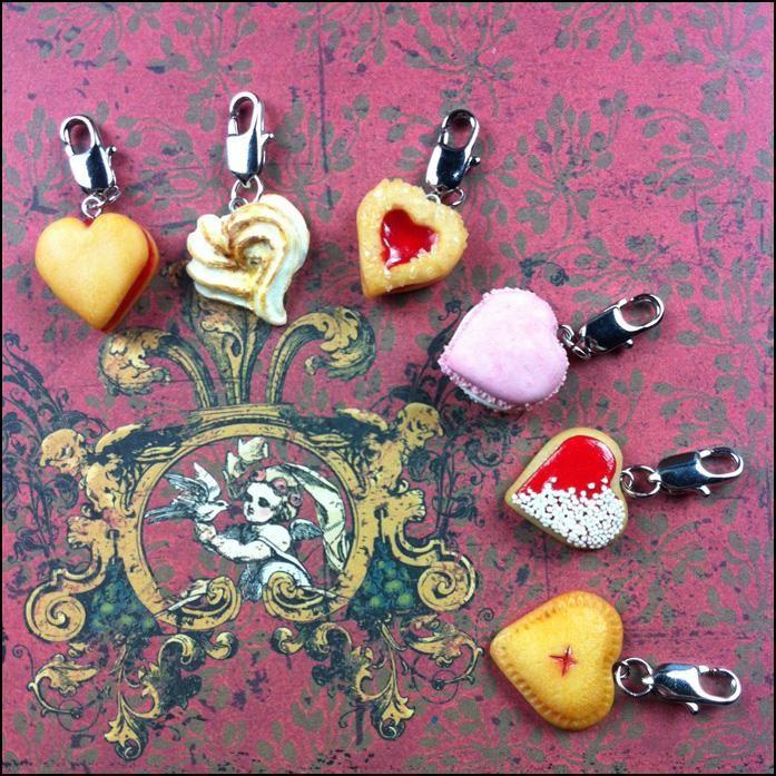 Polymer Clay Valentine's Day heart cookie charms -By Lunnie on DeviantART https://www.instagram.com/moobrains/
