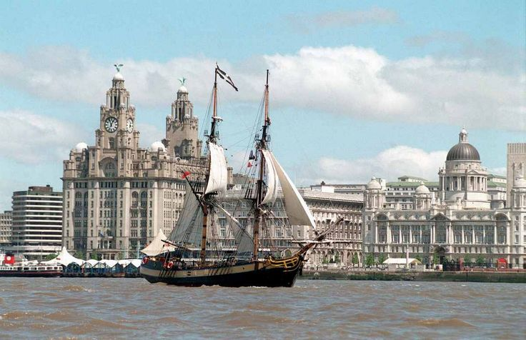 NOSTALGIA: Cruising back into Liverpool's glorious shipping history - a ship in the mersey river festival