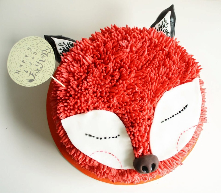 Cute fox cake (link does not lead to a tutorial). #foxcake #thechubbybunnycupcake #thechubbybunny