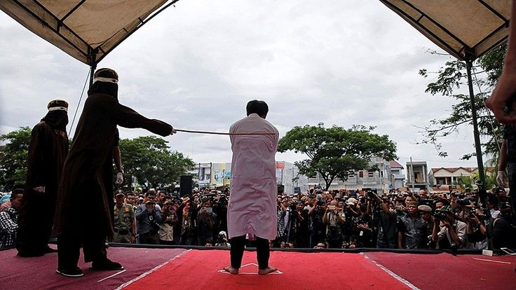 Indonesian Christians flogged outside of mosque for violating sharia law | Fox News