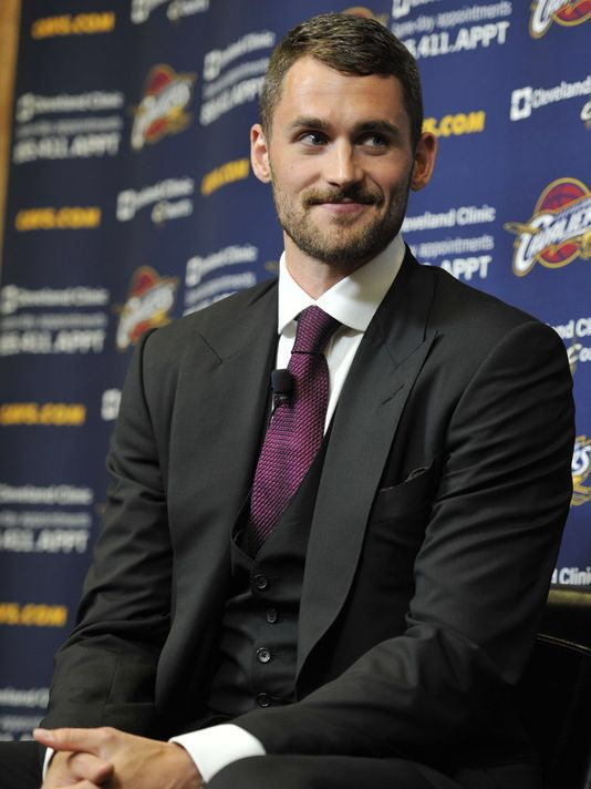 OMG! Kevin Love is soooo hotttt! I am a Cavs fan now