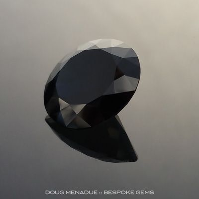 Black Sapphire, Round Brilliant, Rubyvale, Central Queensland, Australia, 10.27 Carats, 14.1x14.1x7.15mm, #203132, A magnificent natural black sapphire from the Australian sapphire gemfields. Doug Menadue :: Bespoke Gems