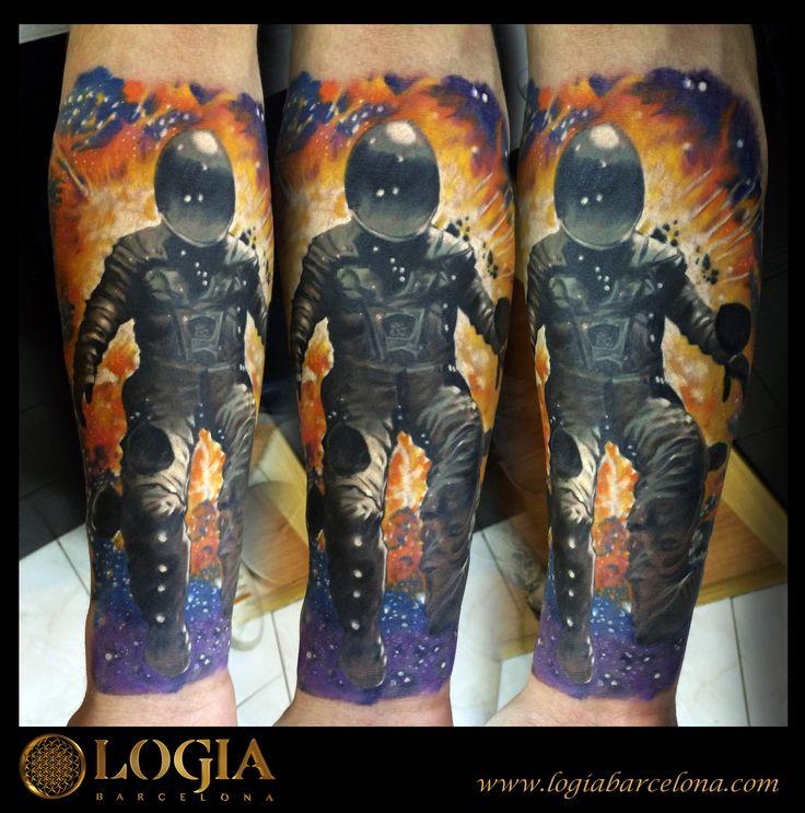 Φ Artist ÁNGEL DE MAYO Φ Info & Citas: (+34) 93 2506168 - Email: Info@logiabarcelo... www.logiabarcelon... #logiabarcelona #logiatattoo #tatuajes #tattoo #tattooink #tattoolife #tattoospain #tattooworld #tattoobarcelona #tattooistartmag #tattoosenbarcelona #ink #arttattoo #artisttattoo #inked #inktattoo #tattoocolor #motorista #biker #tattooartwork #realismo