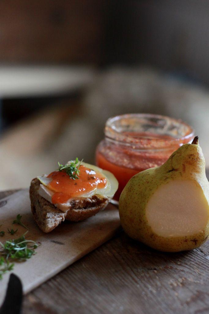 KAMAU: Tomatenmarmelade zu Crostini Variationen