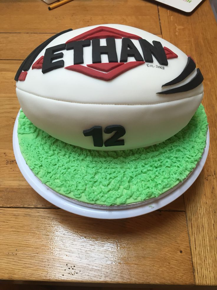 1000+ ideas about Rugby Cake on Pinterest Shirt Cake ...