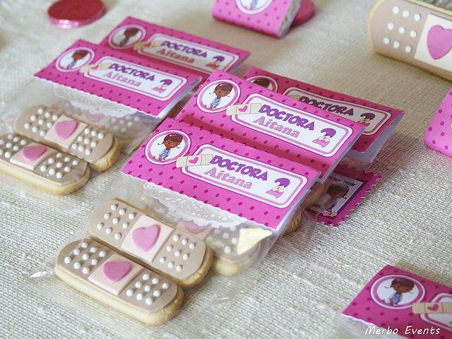 galletas cumpleaños  doctora juguetes Merbo Events