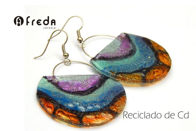 FREDA .Reciclado de Cd. Aros bolcitos