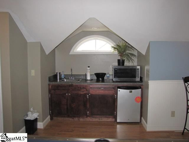 17 best images about garage apartment on pinterest house for Studio apartment over garage