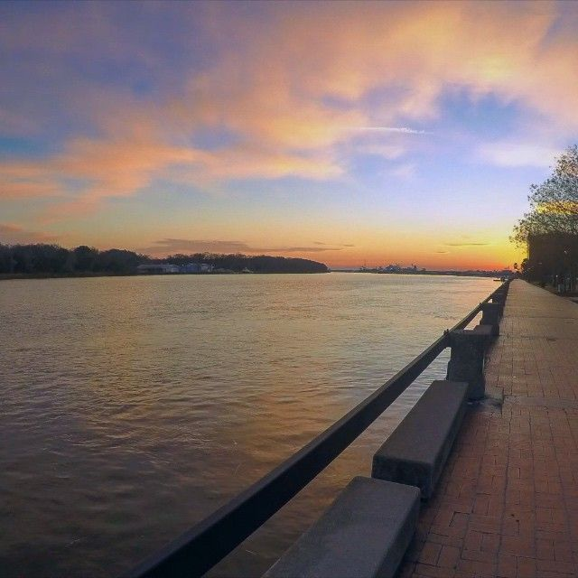 Timelapse of the sun rising over the #Savannah River