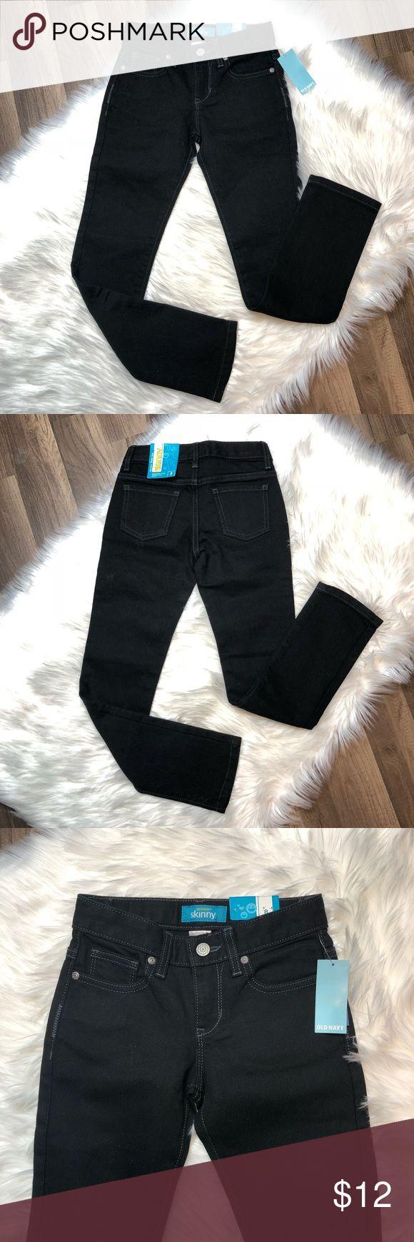 Girls Size 8 Old Navy Skinny Jeans New• Girls Skinny jeans• Black• Adjustable waist•  67% Cotton• 32% Polyester•  1% Lycra• 🚫NO Trade/PP🚫 Old Navy Bottoms Jeans