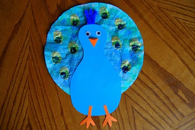 Peacock from foam and coffee filter. You could do this for almost any bird--turkey, etc. Cute!: Three Hens, Peacock Art, Peacock Crafts Preschool, Crafts Ideas, Art Crafts, Crafty Things, Zoos Art And Crafts For Kids, Art Activities, Heart Crafty