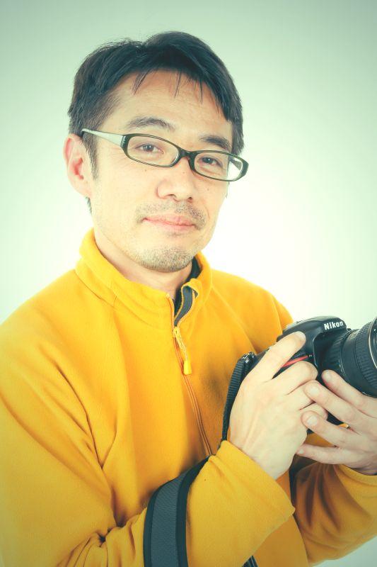 ゲスト◇三田崇博(Takahiro Sanda)1975年奈良県生駒市生まれ。旅好きが高じ、サラリーマンから独学で写真家に転向。現在までに86か国で300か所以上の世界遺産の撮影を行い、定期的に全国各地で開催している写真展は100回を超える。また、カレンダーや雑誌などへ写真提供を手掛ける。2012年読売新聞社「第16回旅のノンフィクション大賞 フォト部門」大賞受賞。写真集「心の旅で感じる世界遺産」「生駒の火祭り」「旅写真家が厳選した 世界三十六景」など出版。日本写真家協会(JPS)会員、総合旅行業務取扱管理者の資格も持つ。