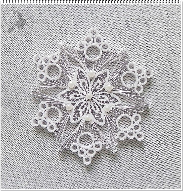 Hófehér karácsonyfa dísz. Snowflake - Quilled by: Boszi