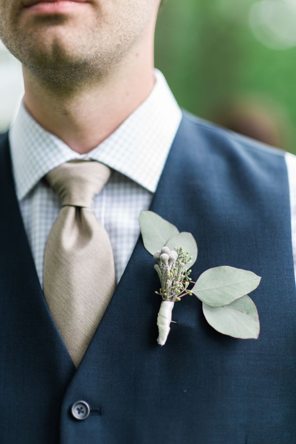 38 best diy wedding floral disasters images on pinterest diy rustic glam finger lakes wedding solutioingenieria Image collections