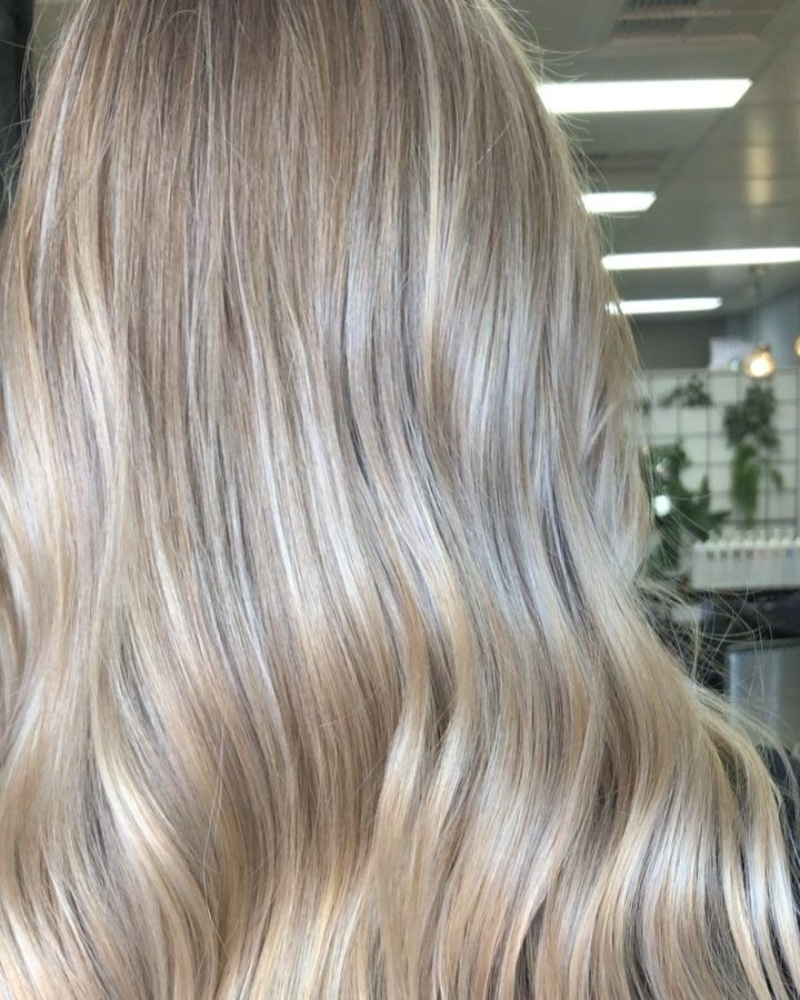 Studio Lioness On Instagram Pearl Beige Blonde Swipe For The Before Full Head Of Fine Lights Beige Blonde Hair Beige Blonde Blonde Light Brown Hair