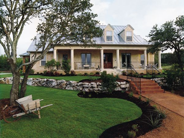 25 great farmhouse exterior design front porches house and for Hill country ranch home plans