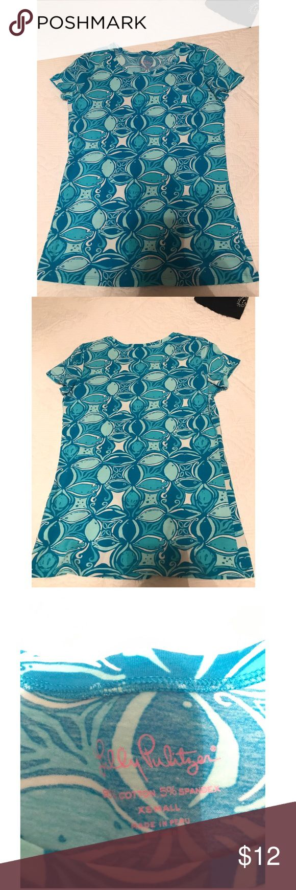 Lilly Pulitzer Shirt Super stretchy material and very comfy! Only wore a few times, in great condition!! Lilly Pulitzer Tops