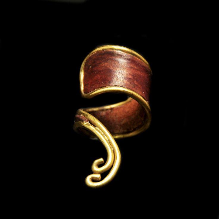 Χειροποίητο δαχτυλίδι με δέρμα
