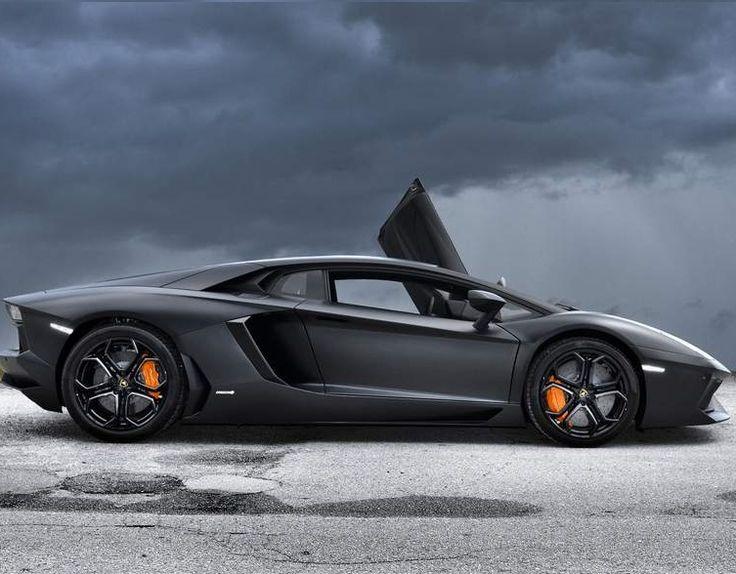Black Luxury Vehicles: Matte Black Aventador
