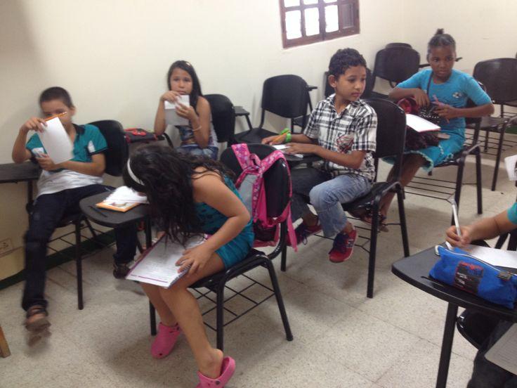 Apoyando la Extensión Solidaria, con el curso en inglés para niños dictado por mi persona.  Niños vecinos de la U en el Sector, o familiares de nuestros estudiantes.