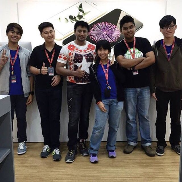Superstar Mr Prashanth paid a visit to our Quill City outlet during his movie shoot in KL! Thank you for dropping by! #switch #switchmy #kualalumpur #superstar #prashanth #quillcity #apple #malaysia