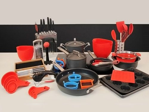 Our products are designed in Australia and tested and tweaked until we are absolutely certain you will not find anything better. From Stovetop to Oven cookware, German steel knives and Silicon bakeware microwave, oven and freezer safe. We just know you will love using them