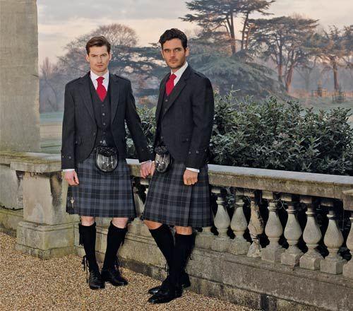 El Kilt Escoces, Es Una Falda De Tela Entramada En Tartan