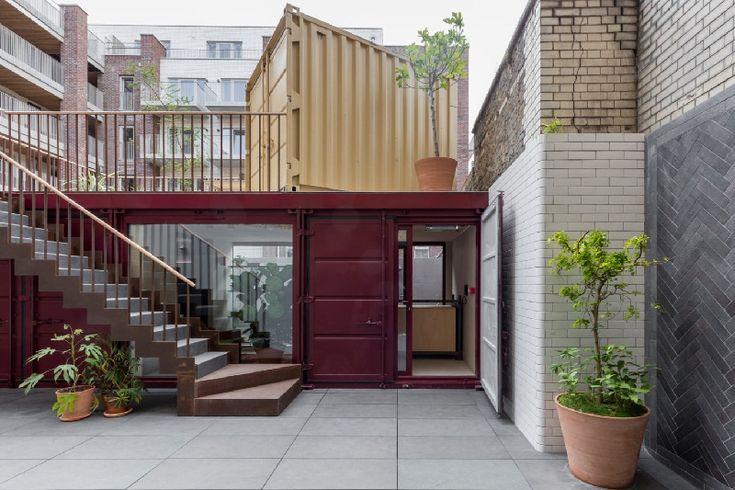 Ide membuat bangunan kantor modern minimalis hanya dengan kontainer bekas.     #desainkantor #architecture #kantor