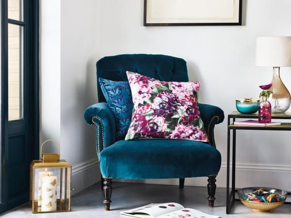 A splash of glamour goes a long way. Make your furniture more fabulous with this floral printed cushion.