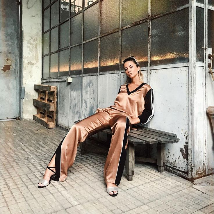 SISLEY https://www.fashion.net/sisley #sisley #sophietta #fashionnet #fashion #look #mode #moda #style #model #labels