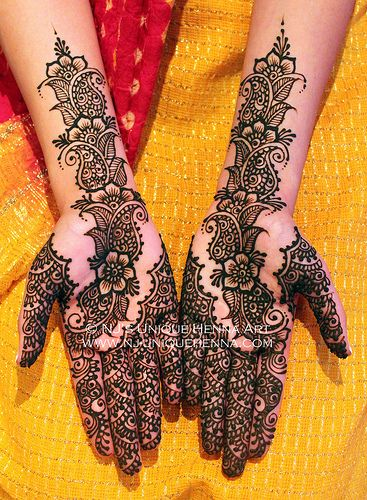 Floral Indian bridal henna 2013 © NJ's Unique Henna Art | Bridal henna mehndi. NJ's Unique Henna Art © All rights reserved. Henna by Nadra Jiffry. Based in Toronto, Canada. Specializing in Bridal henna and henna crafts. This is my work and my photos only.  www.nj-uniquehenna.com