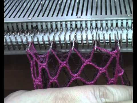 "Machine knit ""Fishnet"" yarn...  видео-урок ""Кудрявый"" шарф - YouTube"