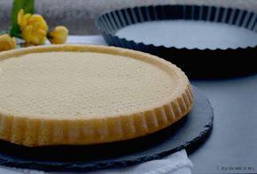 La crostata morbida, un impasto soffice e morbido, perfetto per essere farcito con creme, cioccolato fuso, panna e frutta.