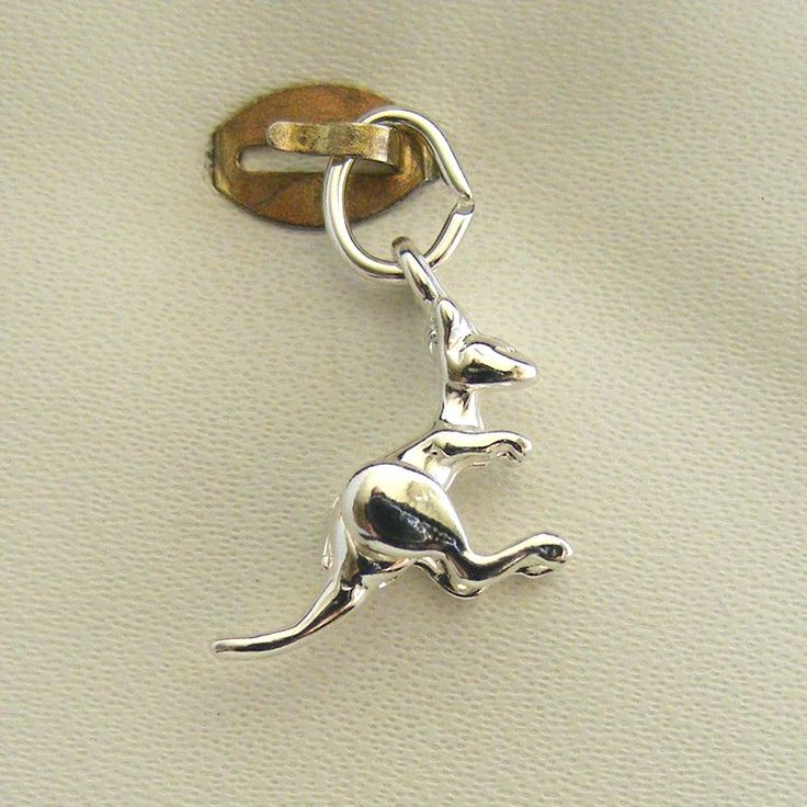 Kangaroo - movable Charm - chr-1725 Gold   Silver