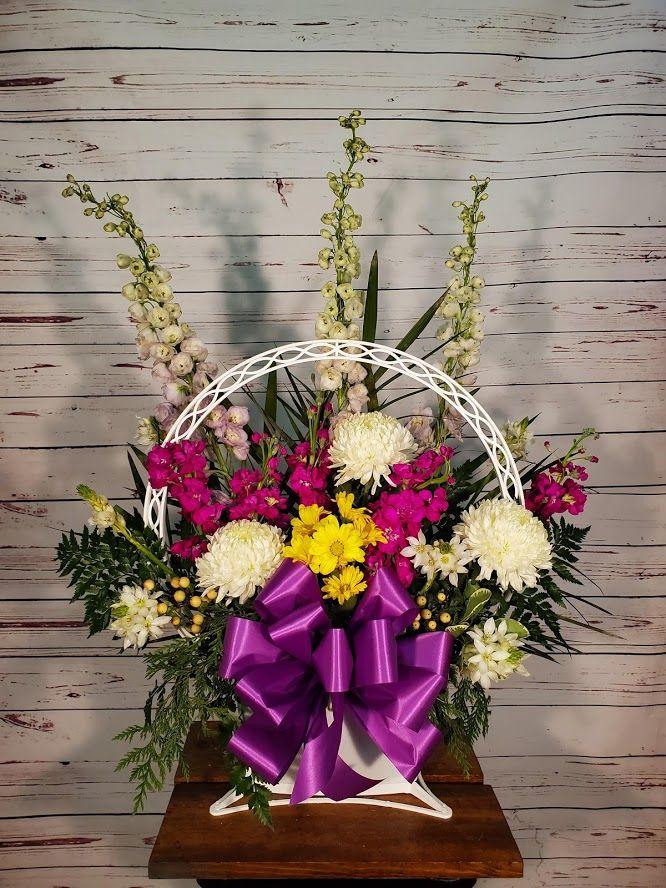 Spring Mix Sympathy Basket In 2020 Flower Delivery Flower Arrangements Sympathy Basket