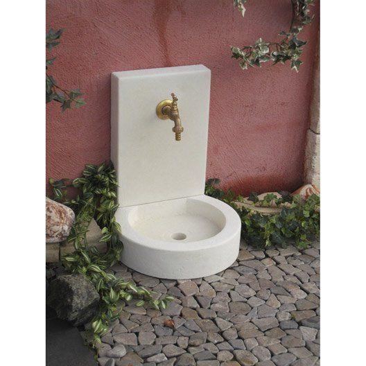 les 25 meilleures id es concernant fontaine en pierre sur pinterest fontaines de jardin. Black Bedroom Furniture Sets. Home Design Ideas