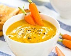 Velouté de carottes au lait de coco (facile, rapide) - Une recette CuisineAZ