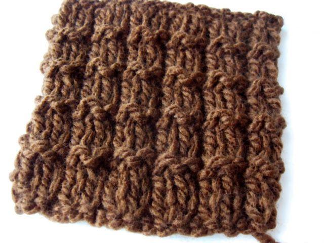 Si vous êtes comme moi, vous aimez peut-être faire de petits échantillon pour essayer de nouveaux points de tricot….  En voici un que j'aime beaucoup. Ce motif nécessite un nombre de ma…