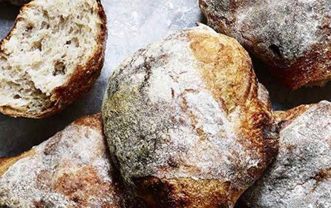 Ølandshvedebollerne er gode både som morgenboller og til maden eller som sandwichbolle til madpakken.