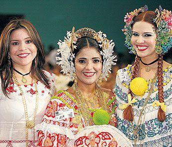 Mirta Rodríguez, Marisin Herrera y Lourdes Cristina en el Festival Nacional de la Pollera 2007 | #pollerapanameña