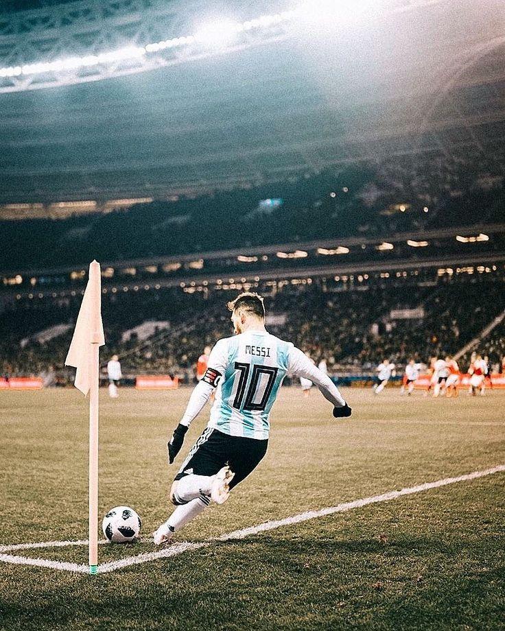 Lionel Messi (Rusia 0 - 1 Argentina 2017)