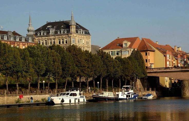 Fresh Auch eine Idee Lustige Blumenholzboote schwimmen auf dem Saaraltarm in Saarlouis Hat was Pinterest Hats