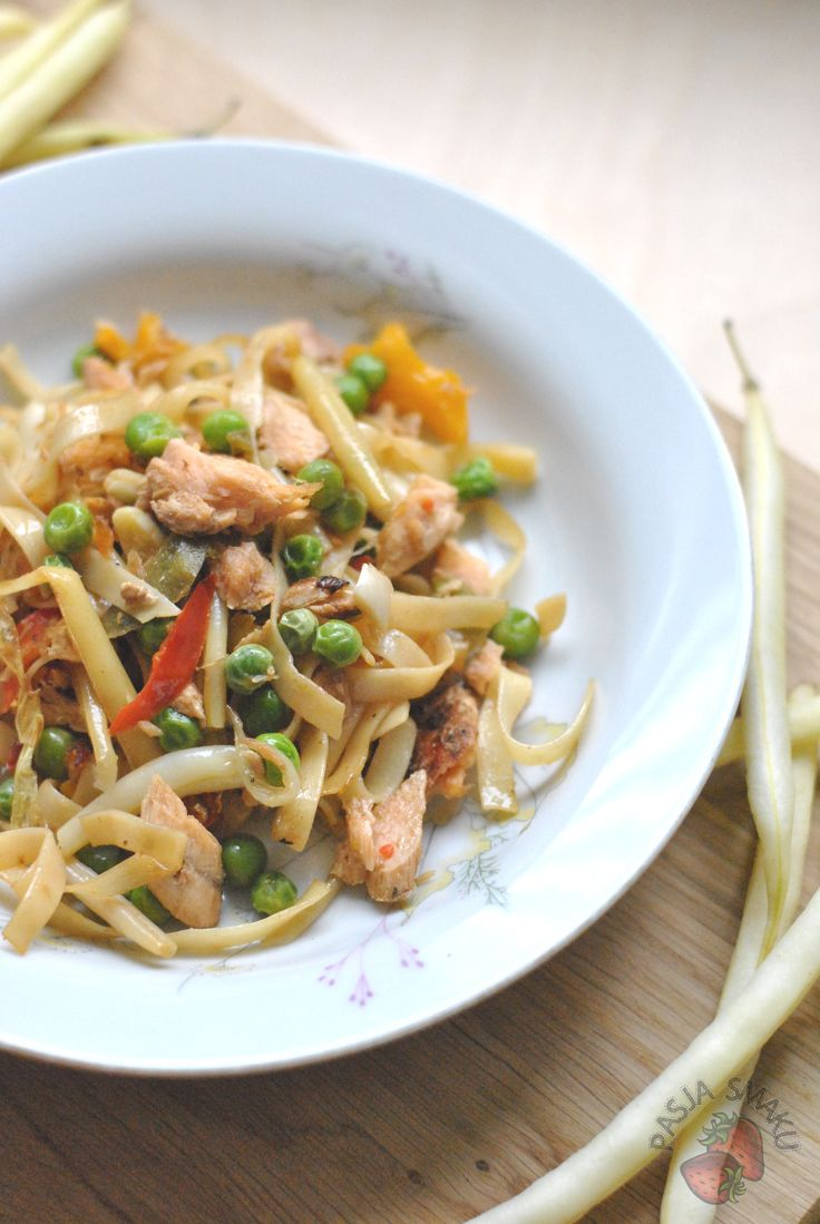 Pasja Smaku: Makaron z grillowanym łososiem i fasolką szparagową