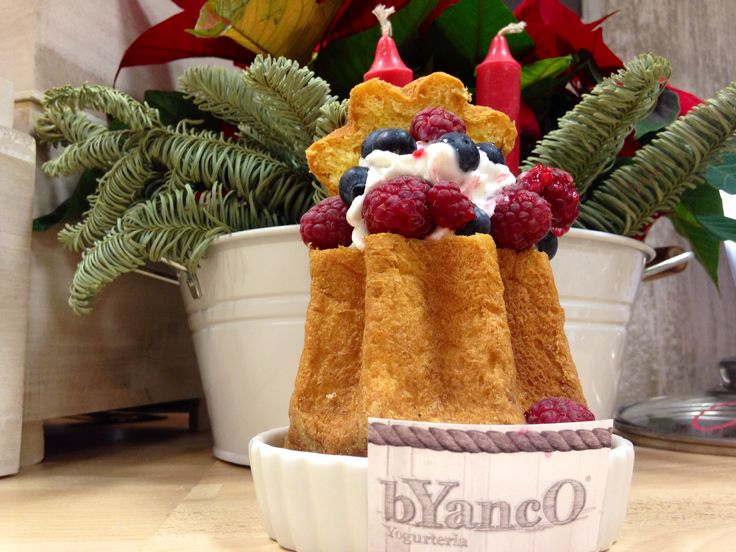 Pandorino con Frozen Yogurt e frutti di Bosco by Byanco Yogurteria