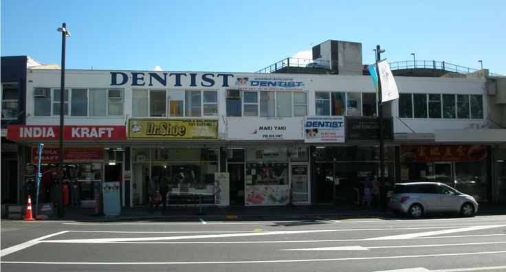 Great north road henderson march 2015 dr shoe nz