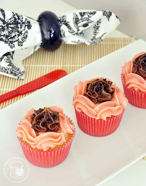 Cupcakes napolitanos de brigadeiro