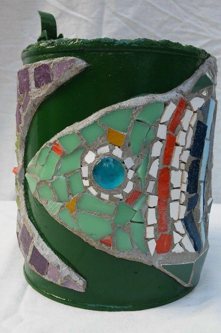 Encontrá Maceta o porta maceta con mosaico  desde $170. Living, Cocina y más objetos únicos recuperados en MercadoLimbo.com.