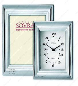 Elegancki srebrny zegar, stanowi doskonały prezent z okazji urodzin. #podziekowania #rocznica #slub