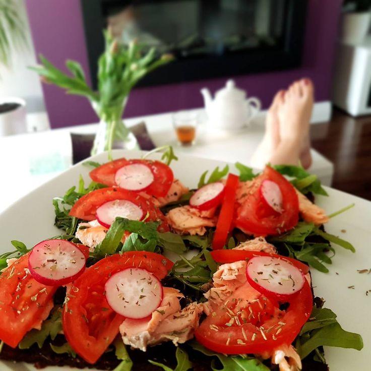 Kids are in �� = time for mummy to relax and have dinner �� Have a lovely evening ❤ ☟☟☟ ☟☟☟ Dzieciaczki już w łóżkach = czas na odpoczynek i kolację dla mamy �� Udanego wieczoru kochani ❤ . . . . . #nofilter #weightloss #weight #fooddiary #foodlover #food #foodie #healthyeating #healthylife #cleaneating #healthyfood #insta #instagood #instafood #nutricion #picoftheday #instagram #homemade #jemzdrowo #pycha #yummy #saturday #workout #fit #fitness #dinner #chill…